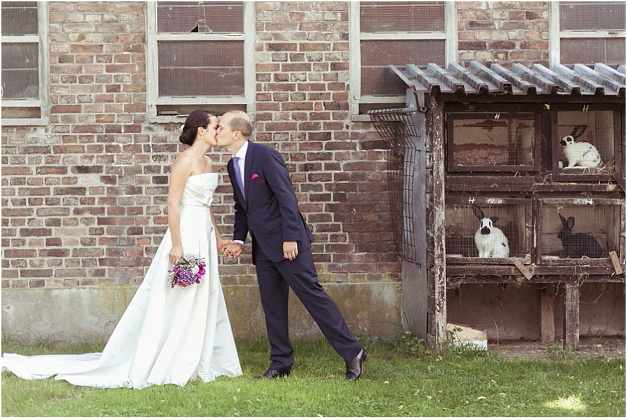 Brautpaar-Kuss